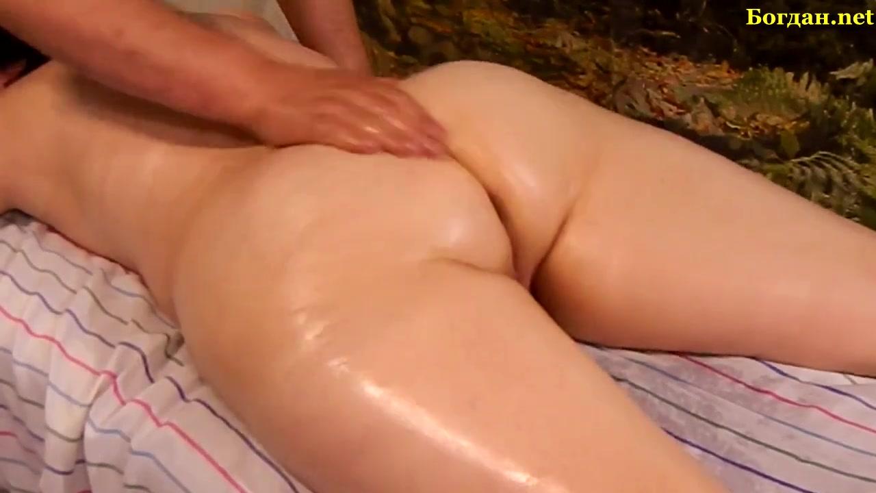 девочки массажист довел клиентку до оргазма появляется парень упругим